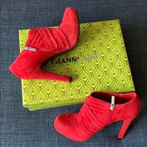 Red Gianni Bini Rebecca Heels (size 9.5)